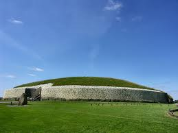 Newgrange (co. Meath, Irlanda).